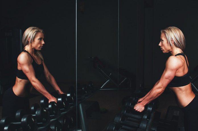 Fonte: pixabay - Un allenamento corretto e ben bilanciato induce alcuni cambiamenti fisiologici che mostrano diversi benefici sulla salute psicofisica sia a breve che a lungo termine